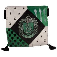 L_4HOUSES_HomeDecorations_HarryPotter_HarryPotter_HomeDecorations_SlytherinPillow_1229907.JPG