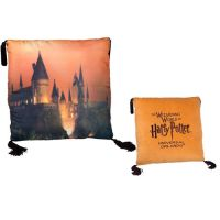 l_CASTLE_HomeDecorations_HarryPotter_HarryPotter_HomeDecorations_HogwartsCastlePillow_1229909.JPG